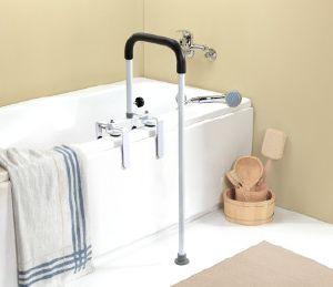 aides pour entrer ou sortir de la baignoire. Black Bedroom Furniture Sets. Home Design Ideas
