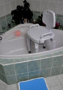 aides pour le bain du malade. Black Bedroom Furniture Sets. Home Design Ideas