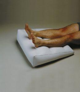 coussin gonflable rehausseur de jambes. Black Bedroom Furniture Sets. Home Design Ideas